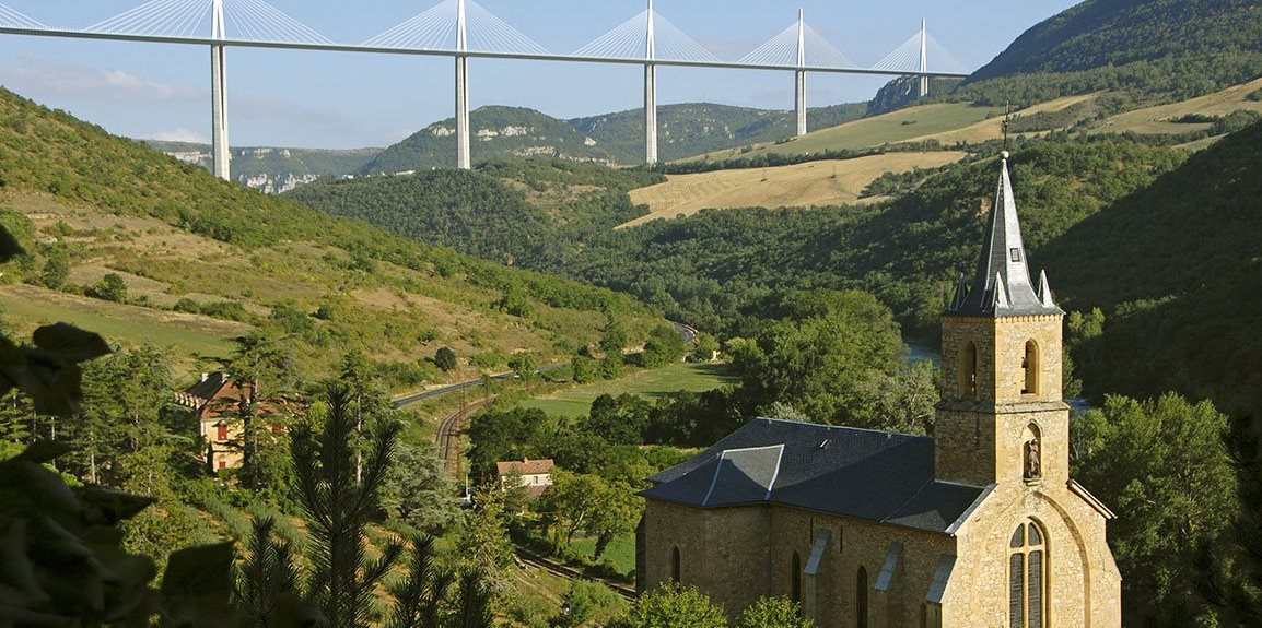 Come and discover the town of the famous Millau Viaduct !